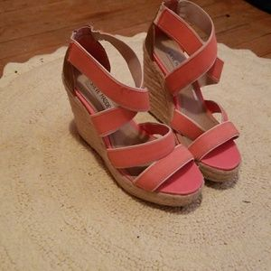 Steve Madden Coral Strappy Wedges